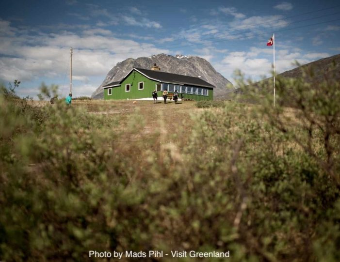 best-of-nuuk-in-3-days-west-greenland-Guide to Greenland4
