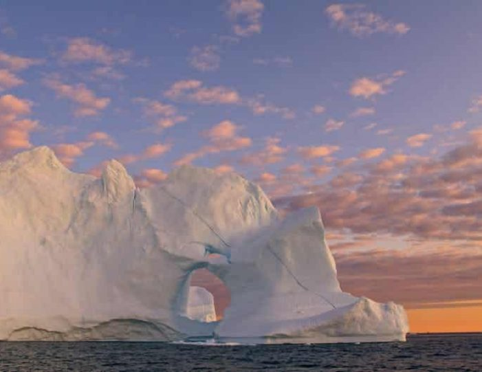 boat-trip-among-the-icebergs-ilulissat-disko-bay-Guide to Greenland (2)