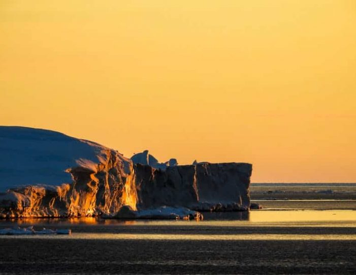 boat-trip-among-the-icebergs-ilulissat-disko-bay-Guide to Greenland (8)