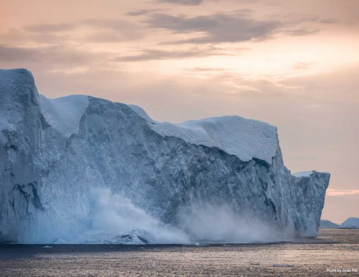 captains-favorite-strait-cruise-sullorsuaq-private-tour-ilulissat-disko-bay-Guide to Greenland3