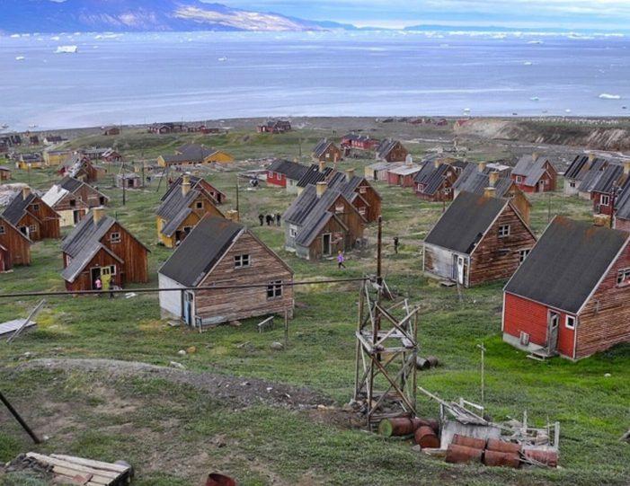 captains-favorite-strait-cruise-sullorsuaq-private-tour-ilulissat-disko-bay-Guide to Greenland4
