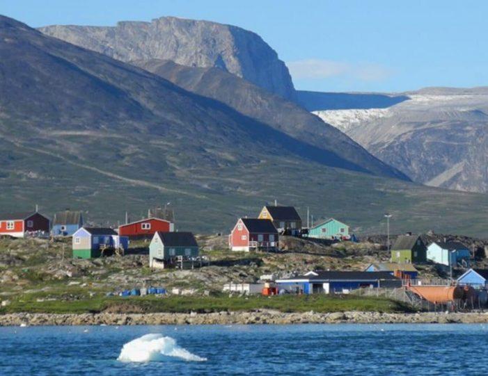 captains-favorite-strait-cruise-sullorsuaq-private-tour-ilulissat-disko-bay-Guide to Greenland6