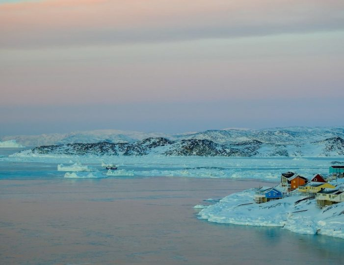 choose-your-own-winter-adventure-ilulissat-4-days-Guide to Greenland1
