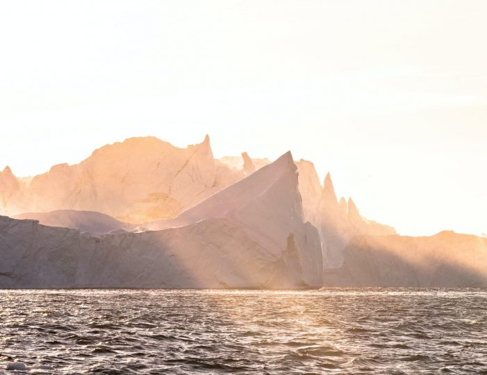 choose-your-own-winter-adventure-ilulissat-4-days-Guide to Greenland4