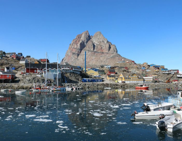 city-walk-uummannaq-north-greenland-Guide to Greenland1