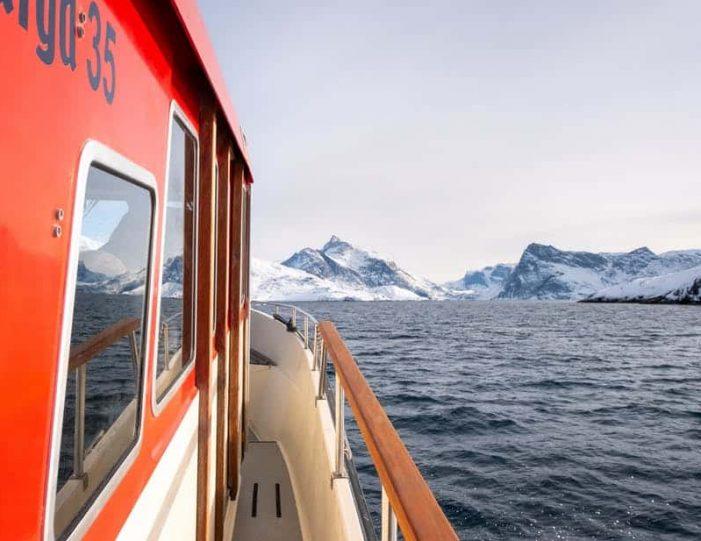 closed-boat-fjord-safari-nuuk - Guide to Greenland