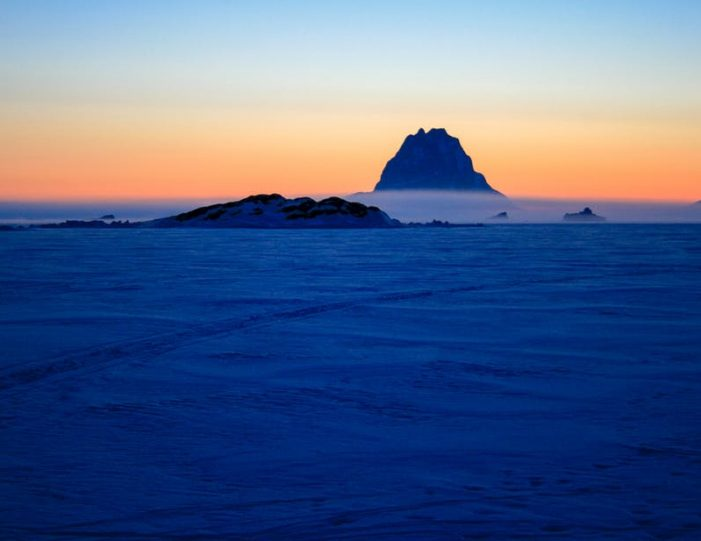 dogsled-expedition-hunting-and-fishing-on-sea-ice-uummannaq-north-greenland-Guide to Greenland11