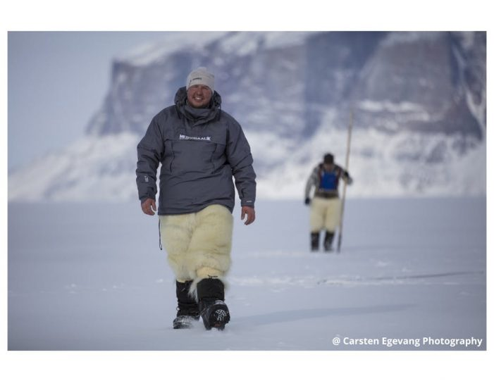 dogsled-expedition-hunting-and-fishing-on-sea-ice-uummannaq-north-greenland-Guide to Greenland14