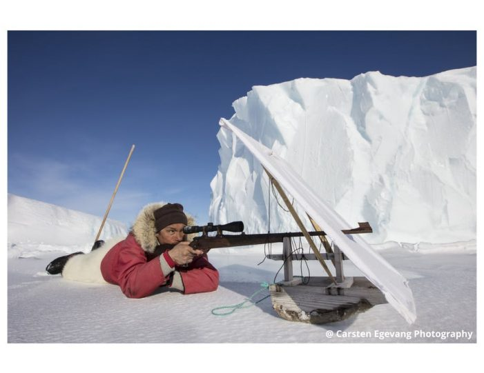 dogsled-expedition-hunting-and-fishing-on-sea-ice-uummannaq-north-greenland-Guide to Greenland23