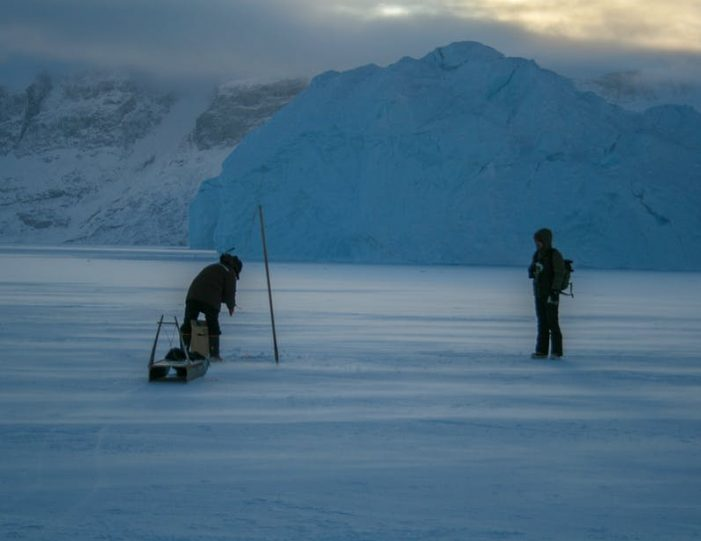 dogsled-expedition-hunting-and-fishing-on-sea-ice-uummannaq-north-greenland-Guide to Greenland8