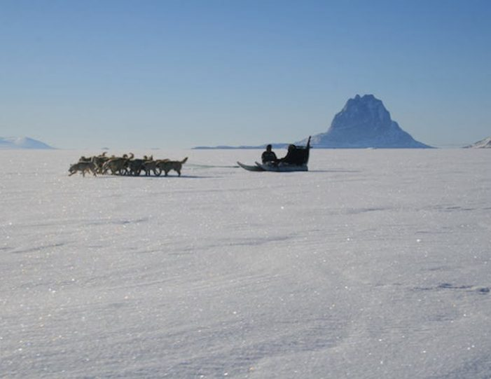 dogsled-expedition-to-settlements-uummannaq-north-greenland-Guide to Greenland17