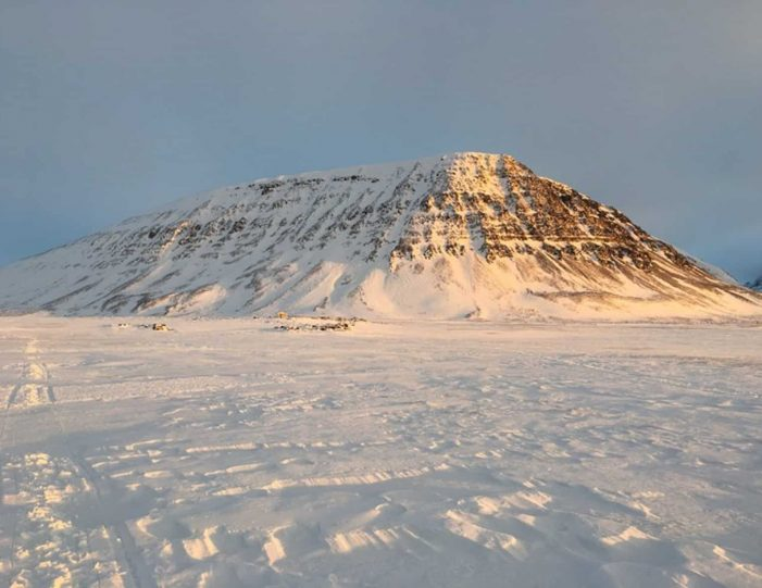 dogsledding-5-hours-qeqertarsuaq-disko-bay-Guide to Greenland5