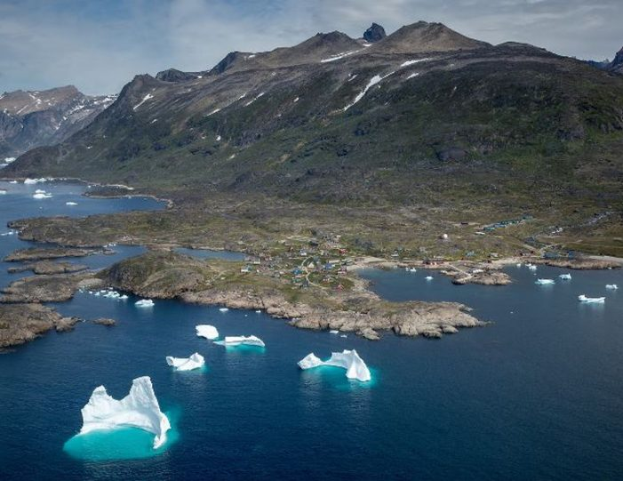 expedition-south-greenland-by-helicopter-qaqortoq-south-greenland - Guide to Greenland9