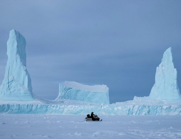 experience-winter-in-the-arctic-uummannaq-ilulissat-from-iceland-day-Guide to Greenland12