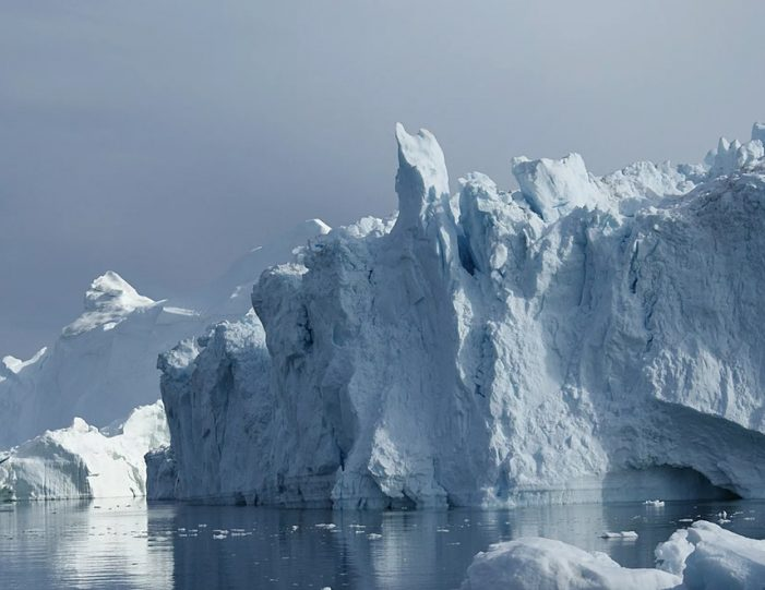 experience-winter-in-the-arctic-uummannaq-ilulissat-from-iceland-day-Guide to Greenland15