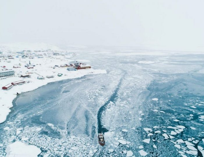 experience-winter-in-the-arctic-uummannaq-ilulissat-from-iceland-day-Guide to Greenland5