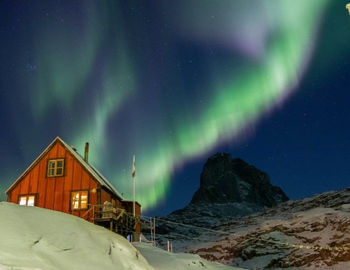 experience-winter-in-the-arctic-uummannaq-ilulissat-from-iceland-day-Guide to Greenland9
