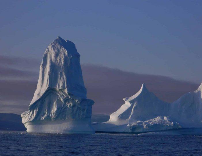 follow-an-inuit-hunter-under-the-midnight-sun-qaanaaq - Guide to Greenland3