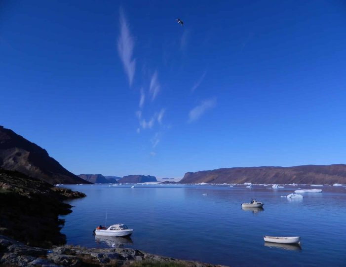 follow-an-inuit-hunter-under-the-midnight-sun-qaanaaq - Guide to Greenland5