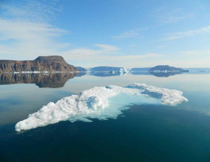 follow-an-inuit-hunter-under-the-midnight-sun-qaanaaq - Guide to Greenland6