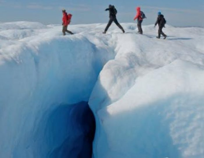 full-day-adventure-on-greenland-ice-sheet-kangerlussuaq-west-greenland - Guide to Greenland4