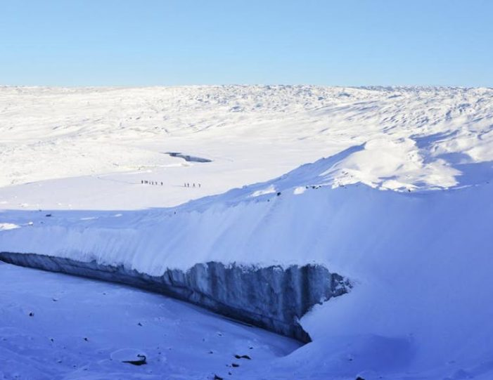 full-day-adventure-on-greenland-ice-sheet-kangerlussuaq-west-greenland - Guide to Greenland7