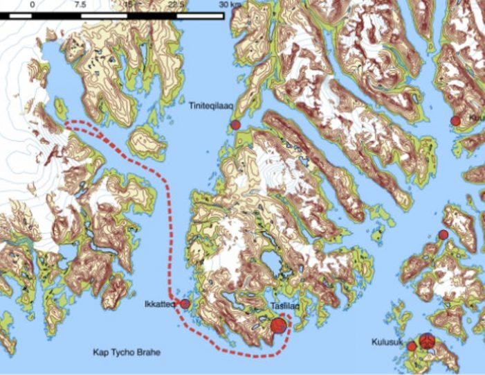 glacier-adventure-by-boat-tasiilaq-east-greenland - Guide to Greenland2