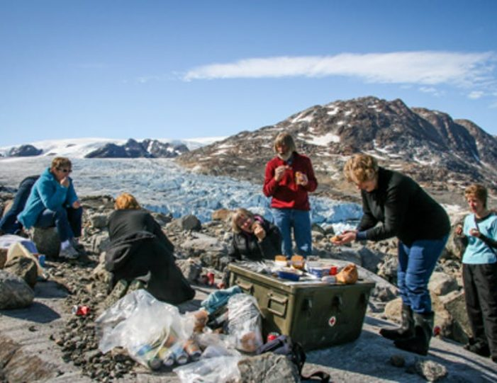 glacier-adventure-by-boat-tasiilaq-east-greenland - Guide to Greenland3