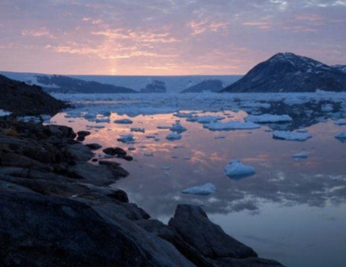 glacier-adventure-by-boat-tasiilaq-east-greenland - Guide to Greenland6