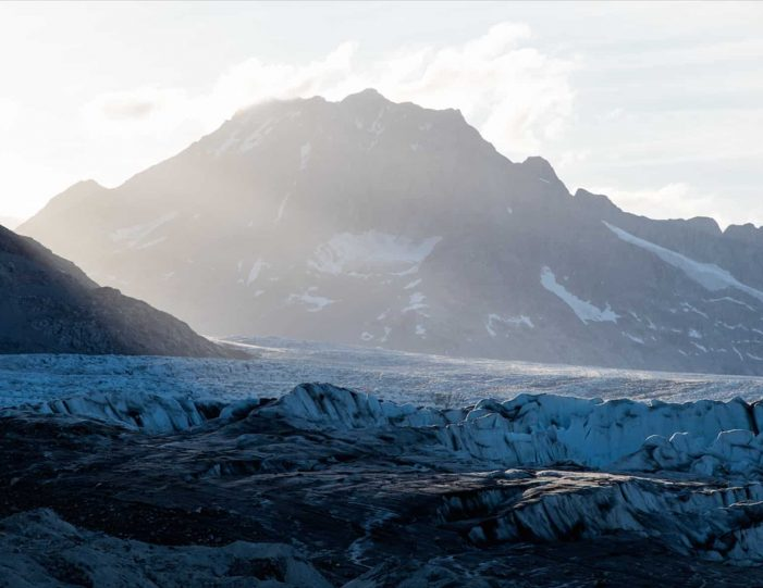 glacier-camping-midnight-sun-expedition-east-greenland-Guide to Greenland4