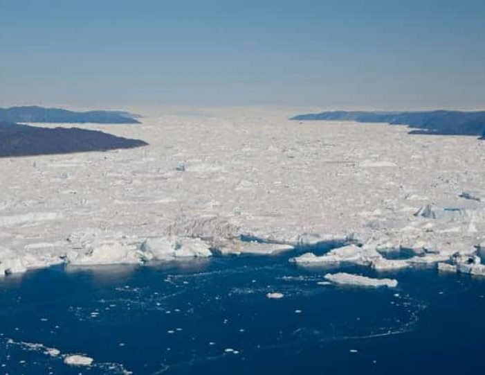 glacier-icefjord-flightseeing-ilulissat-disko-bay - Guide to Greenland5