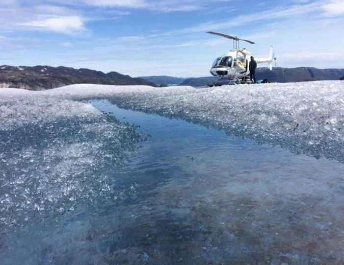 glacier-landing-by-helicopter-qaqortoq-south-greenland - Guide to Greenland3