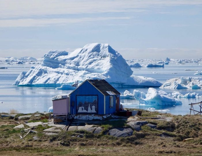 guided-settlement-tour-wilderness-hike-waterfalls-and-arctic-tundra-ilulissat-Guide to Greenland4