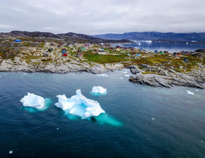 guided-settlement-tour-wilderness-hike-waterfalls-and-arctic-tundra-ilulissat-Guide to Greenland7