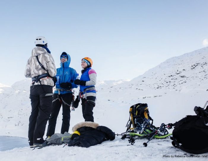 half-day-snowshoe-hike-nuuk-6 - Guide to Greenland (4)