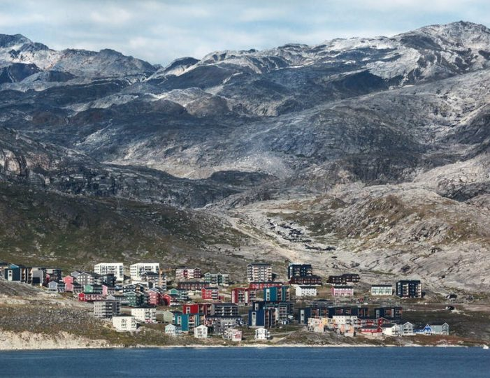 heart-of-greenland-the-capital-nuuk-Guide to Greenland10
