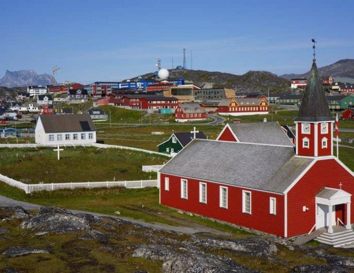 heart-of-greenland-the-capital-nuuk-Guide to Greenland20