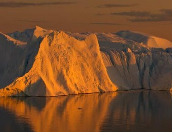 highlights-of-iceland-west-greenland-8-days-day-Guide to Greenland12