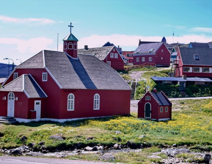 highlights-of-south-greenland-8-days-Guide to Greenland1