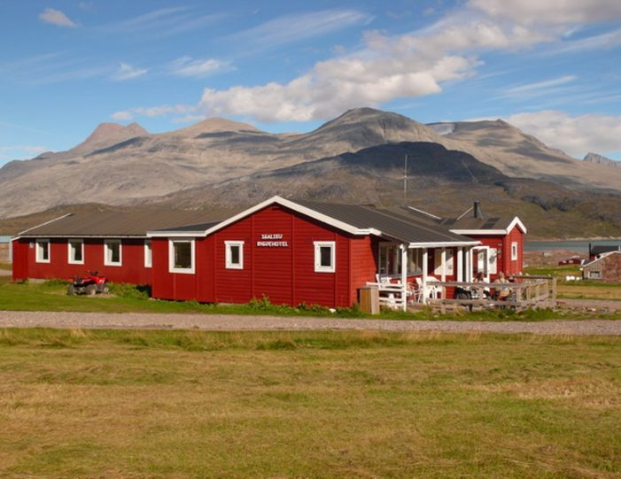 highlights-of-south-greenland-8-days-Guide to Greenland12