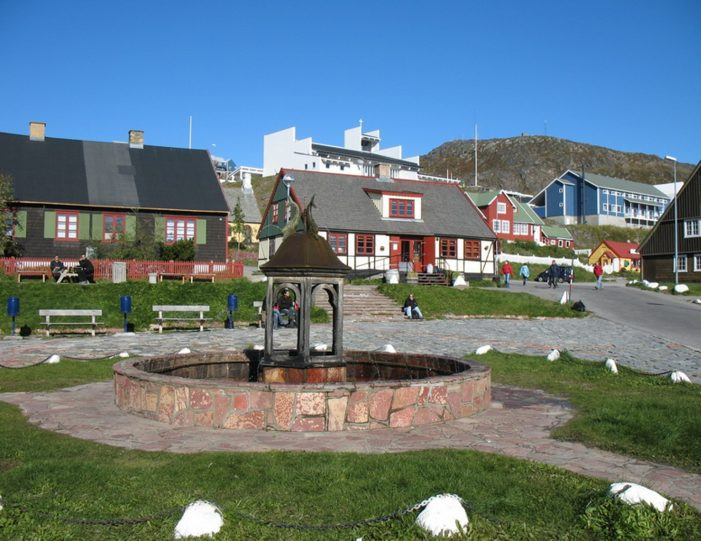 highlights-of-south-greenland-8-days-Guide to Greenland5