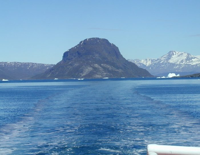 highlights-of-south-greenland-8-days-Guide to Greenland6
