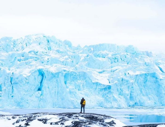 highlights-of-the-arctic-winter-in-5-days-ilulissat-disko-bay-Guide to Greenland17