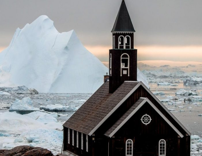 highlights-of-the-arctic-winter-in-5-days-ilulissat-disko-bay-Guide to Greenland9