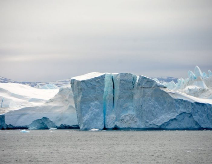 hike-along-the-icefjord-ilulissat-disko-bay-Guide to Greenland (1)