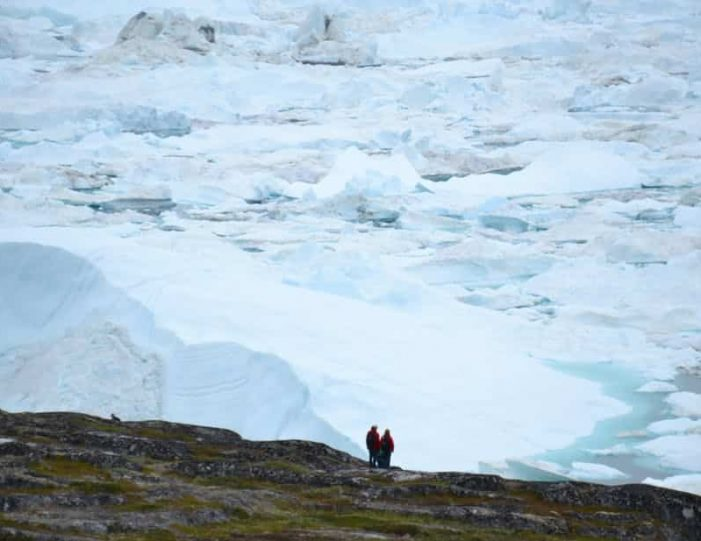 hike-along-the-icefjord-ilulissat-disko-bay-Guide to Greenland (4)