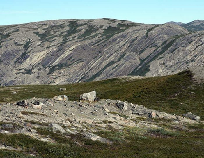 hike-to-garnet-rock-kangerlussuaq-west-greenland-guide to greenland (12)