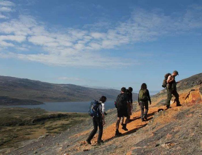 hike-to-garnet-rock-kangerlussuaq-west-greenland-guide to greenland (18)