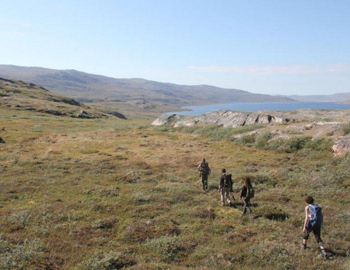 hike-to-garnet-rock-kangerlussuaq-west-greenland-guide to greenland (7)