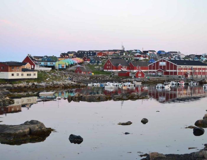 history-walk-qeqertarsuaq-disko-bay-Guide to Greenland1